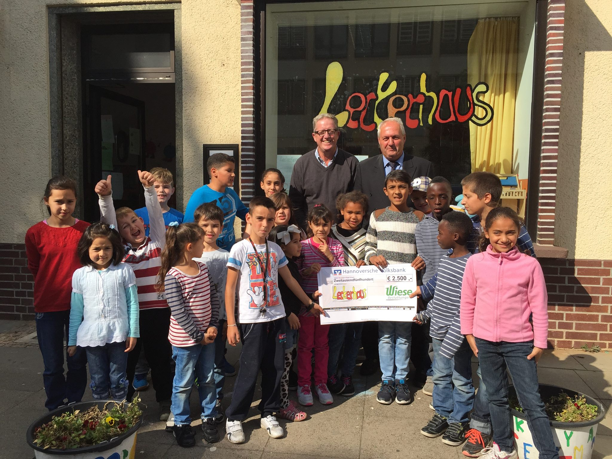 Leckerhaus Bestattungsinstitut Wiese Business for Kids e.V.